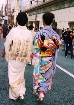 (23)銀座の振り袖「娘」(2008年4月).jpg